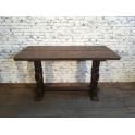 Dřevěný stůl z masivu