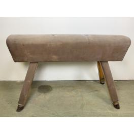 kožená lavice- lavička